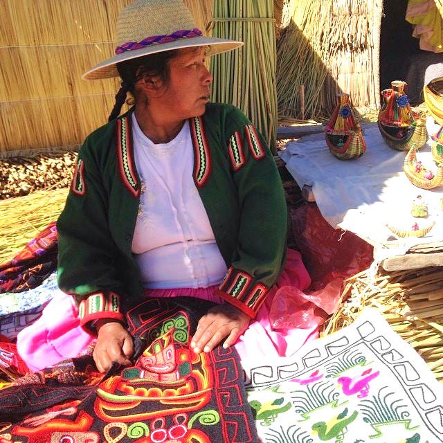 Isla de los uros lago titicaca peru