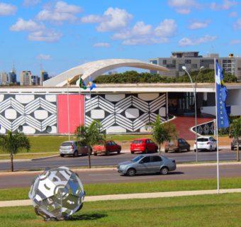 CITY TOUR EM BRASÍLIA: Conheça a cidade no ônibus panorâmico!