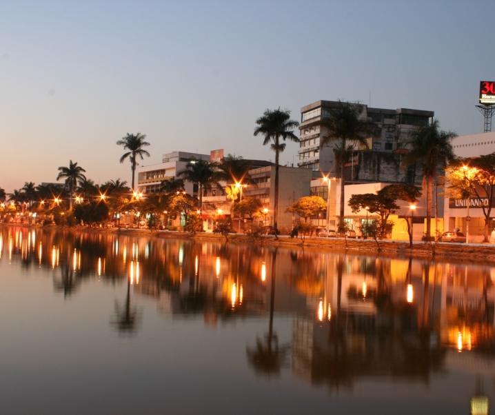 ONDE SE HOSPEDAR EM SETE LAGOAS: Com vista para a Lagoa Paulino!