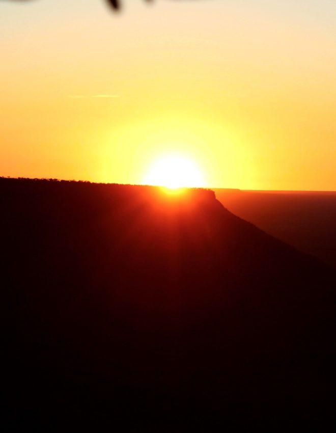 Trilha da Serra do Espírito Santo: o nascer do sol perfeito no Jalapão!