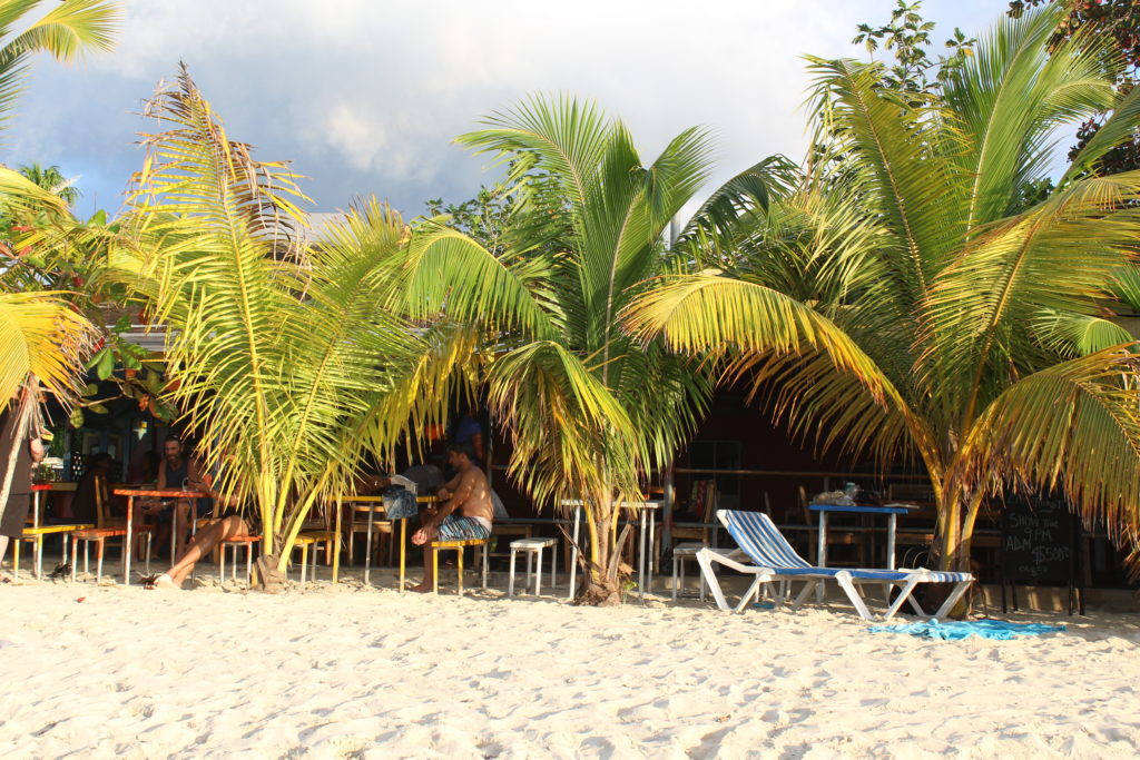 bares e restaurantes em negril