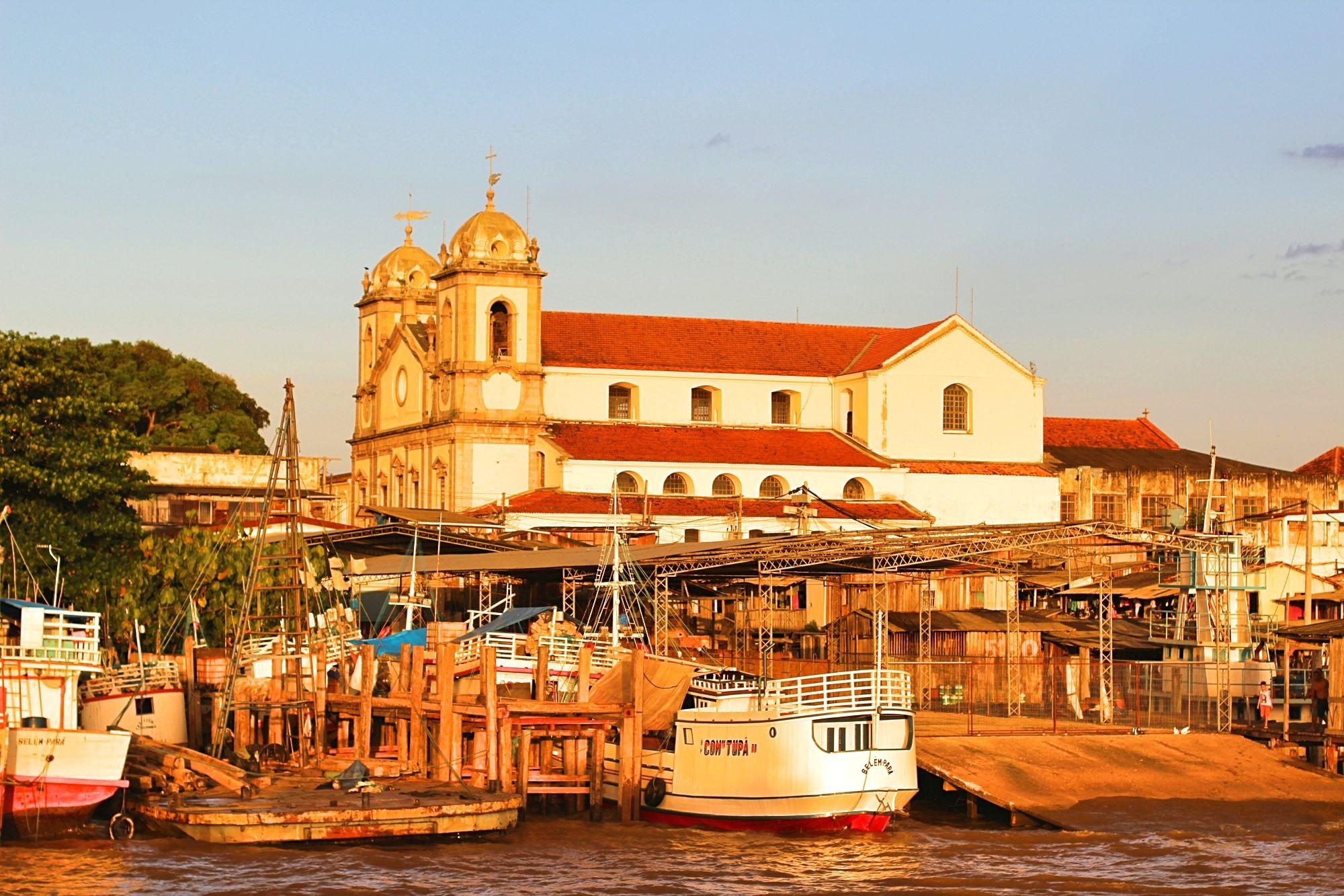 Belém Pará fonte: viajantecomum.com